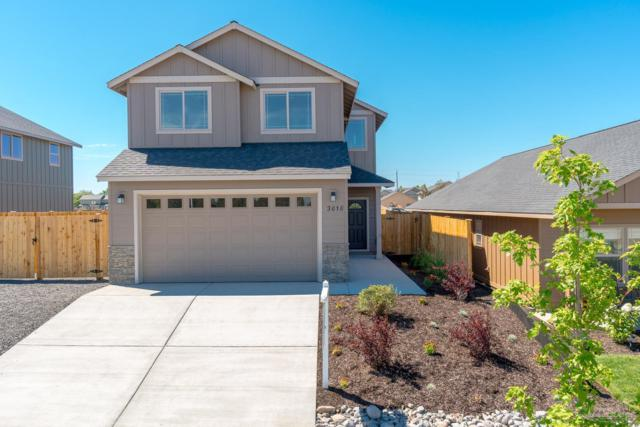 3010 NW Dogwood Avenue, Redmond, OR 97756 (MLS #201806676) :: Pam Mayo-Phillips & Brook Havens with Cascade Sotheby's International Realty