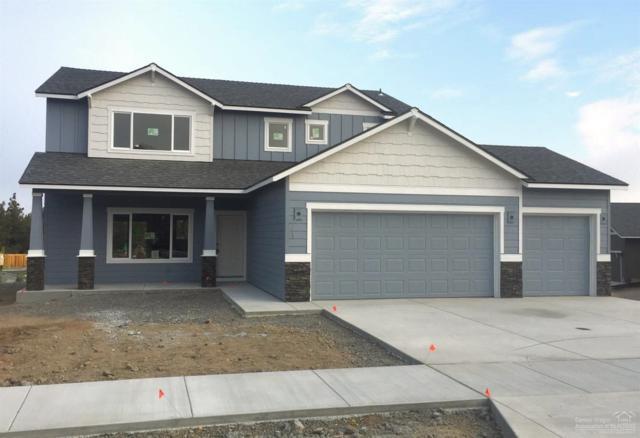 2904 NE Rainier Drive, Bend, OR 97701 (MLS #201806823) :: Team Birtola | High Desert Realty