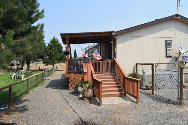 7350 SW Sparrow Drive, Terrebonne, OR 97760 (MLS #201807971) :: Fred Real Estate Group of Central Oregon
