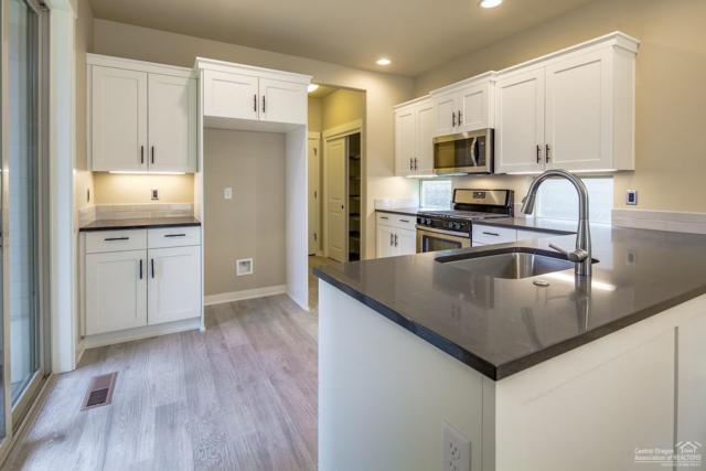 61117 SE Sydney Harbor Drive, Bend, OR 97702 (MLS #201810576) :: Fred Real Estate Group of Central Oregon