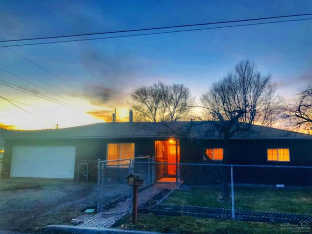 899 NW Locust Street, Prineville, OR 97754 (MLS #201811597) :: Team Birtola | High Desert Realty