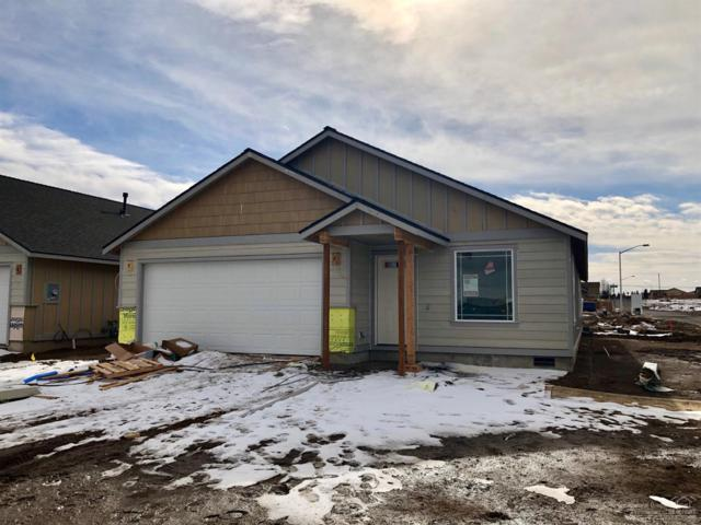 3096 NW Dogwood Avenue, Redmond, OR 97756 (MLS #201811673) :: The Ladd Group