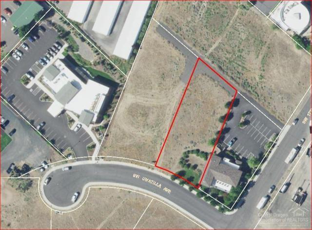 1735 SW Umatilla Avenue, Redmond, OR 97756 (MLS #201811682) :: Fred Real Estate Group of Central Oregon