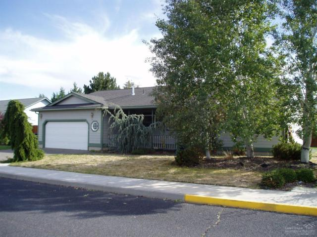 954 NW Negus Place, Redmond, OR 97756 (MLS #201900046) :: Central Oregon Home Pros