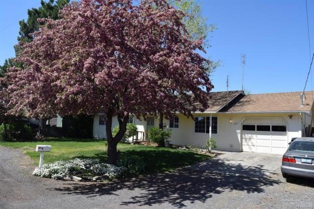 627 SW 33rd Street, Redmond, OR 97756 (MLS #201900916) :: Central Oregon Home Pros