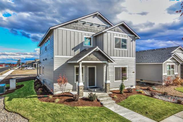 698 NW 27th Street, Redmond, OR 97756 (MLS #201902541) :: The Ladd Group