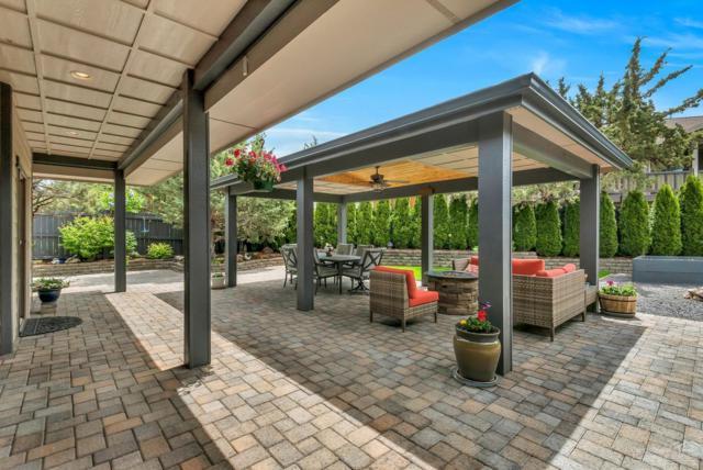 4136 SW Salmon Avenue, Redmond, OR 97756 (MLS #201904449) :: Central Oregon Home Pros