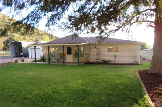 1099 SE Combs Flat, Prineville, OR 97754 (MLS #201904471) :: The Ladd Group