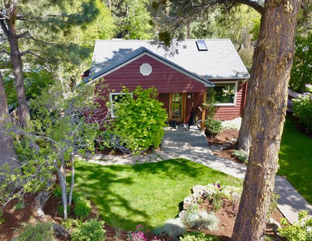 1252 NW Milwaukee Avenue, Bend, OR 97703 (MLS #201904546) :: The Ladd Group