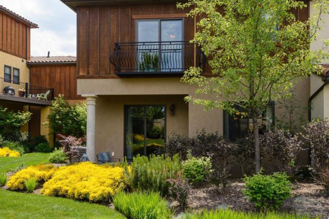 20236 Via Diamante, Bend, OR 97703 (MLS #201905128) :: Berkshire Hathaway HomeServices Northwest Real Estate