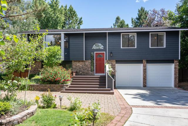 1114 SE Gatewood Place, Bend, OR 97702 (MLS #201906037) :: The Ladd Group