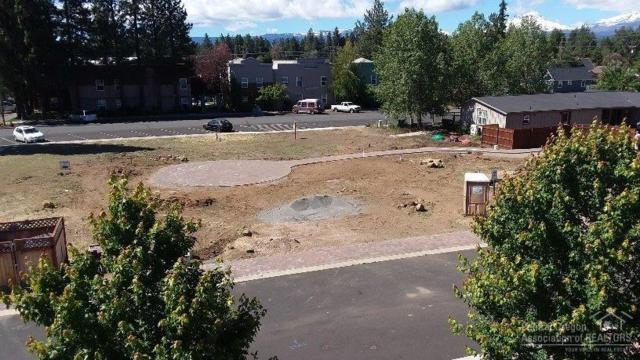325 N Fir Street, Sisters, OR 97759 (MLS #201906199) :: Fred Real Estate Group of Central Oregon