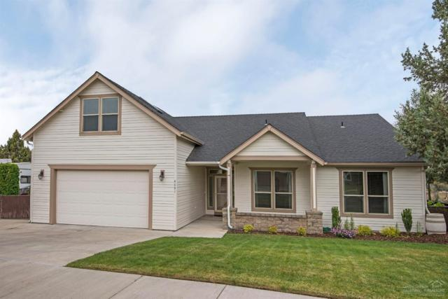 4091 SW Tommy Armour Lane, Redmond, OR 97756 (MLS #201906281) :: The Ladd Group