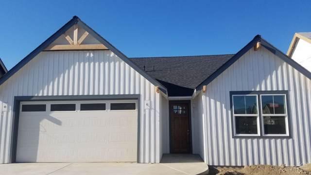 4119 SW Badger Court, Redmond, OR 97756 (MLS #201906873) :: Berkshire Hathaway HomeServices Northwest Real Estate