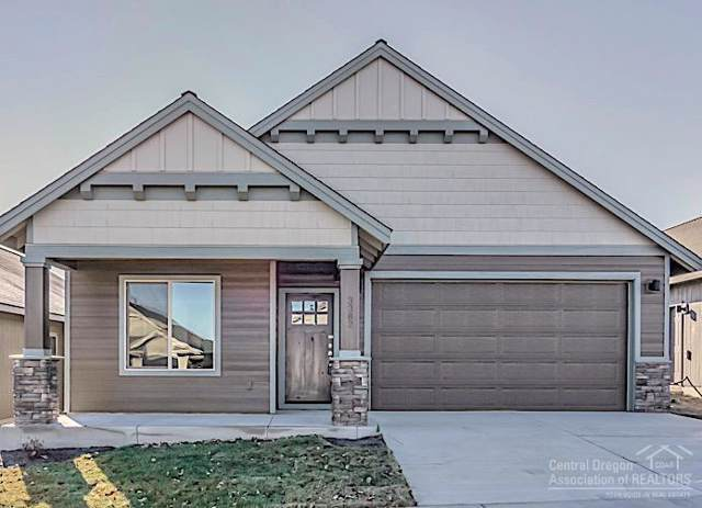 2947 NE Marea Drive, Bend, OR 97701 (MLS #201907363) :: The Ladd Group