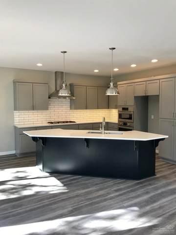 60862 Garrison Drive, Bend, OR 97702 (MLS #201909286) :: Fred Real Estate Group of Central Oregon