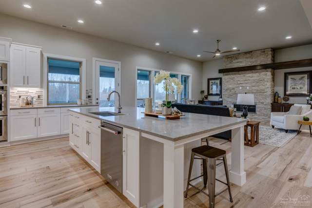 60889 SW Deer Creek Place, Bend, OR 97702 (MLS #201909317) :: The Ladd Group