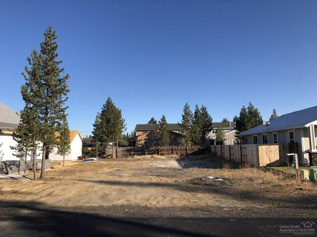 16674 Cabin Lake Lane, La Pine, OR 97739 (MLS #201909613) :: The Riley Group