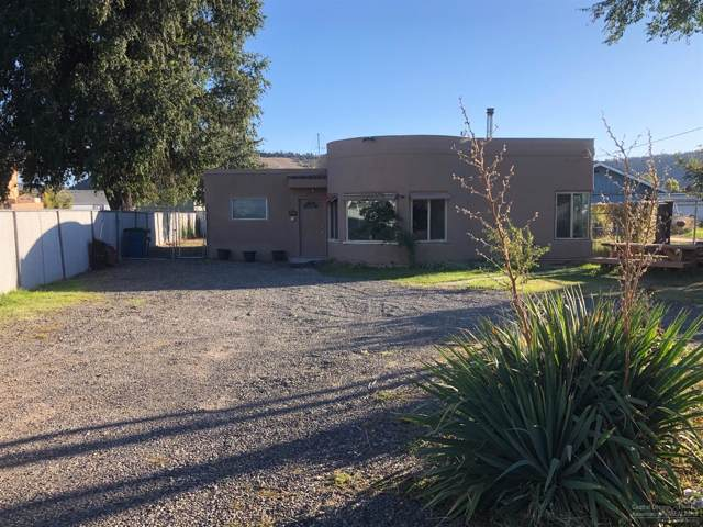 560 NW 2nd Street, Prineville, OR 97754 (MLS #201909636) :: The Ladd Group