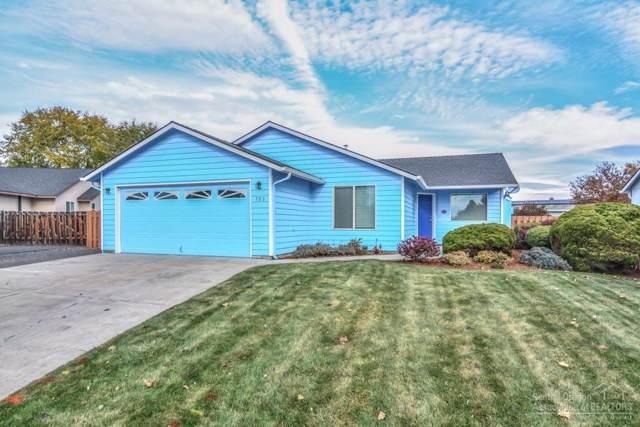 703 NE Oak Place, Redmond, OR 97756 (MLS #201909768) :: Stellar Realty Northwest