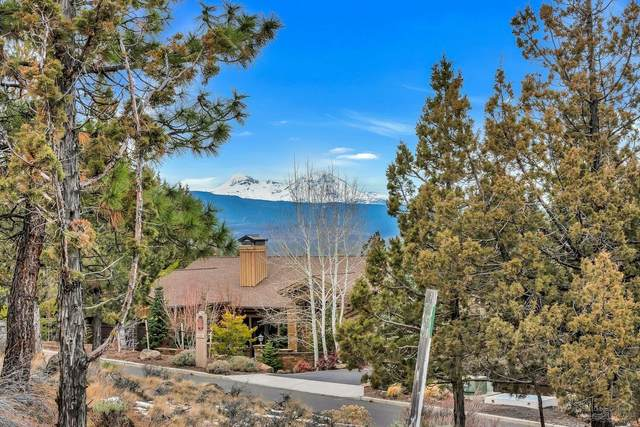 1553 NW Overlook Drive, Bend, OR 97703 (MLS #202000129) :: The Ladd Group
