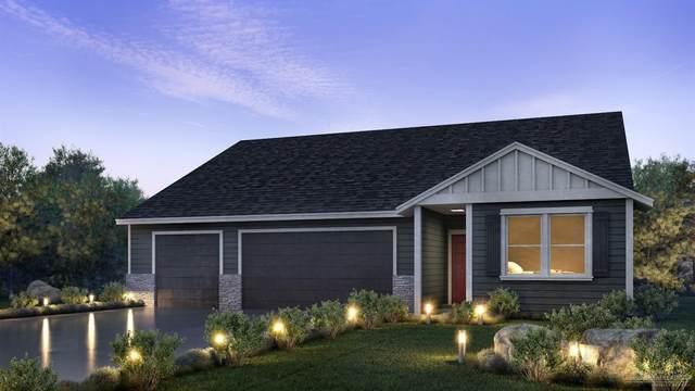 4854 SW Zenith Avenue, Redmond, OR 97756 (MLS #202001376) :: Bend Homes Now