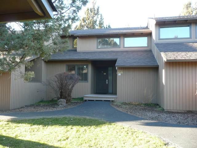 1985 Redtail Hawk Drive, Redmond, OR 97756 (MLS #202001486) :: Berkshire Hathaway HomeServices Northwest Real Estate