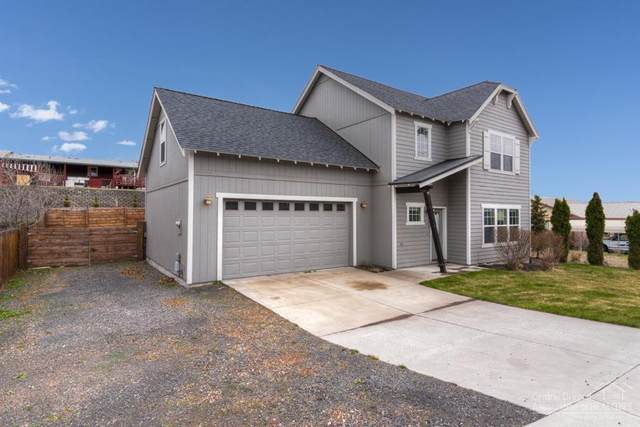 161 NE 9th Street, Madras, OR 97741 (MLS #202002726) :: Fred Real Estate Group of Central Oregon