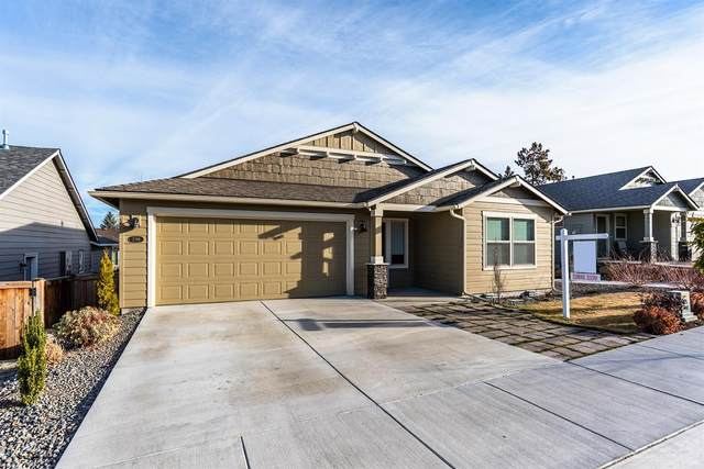 2798 NE Faith Drive, Bend, OR 97701 (MLS #202002958) :: Berkshire Hathaway HomeServices Northwest Real Estate