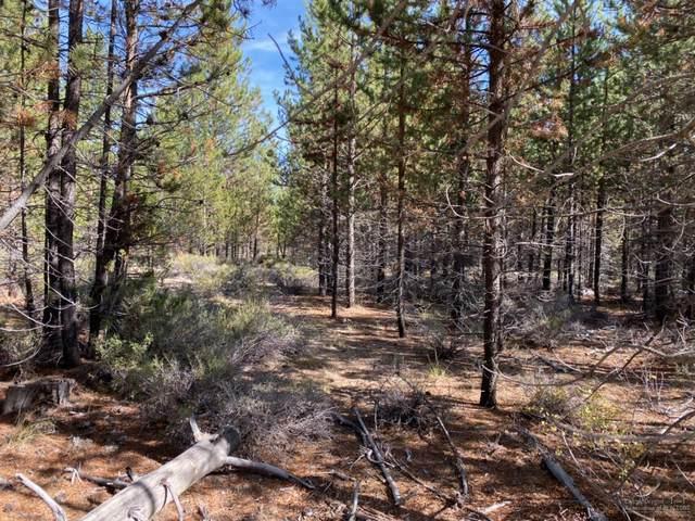 15550 Lake Lane, La Pine, OR 97739 (MLS #202003145) :: Coldwell Banker Bain