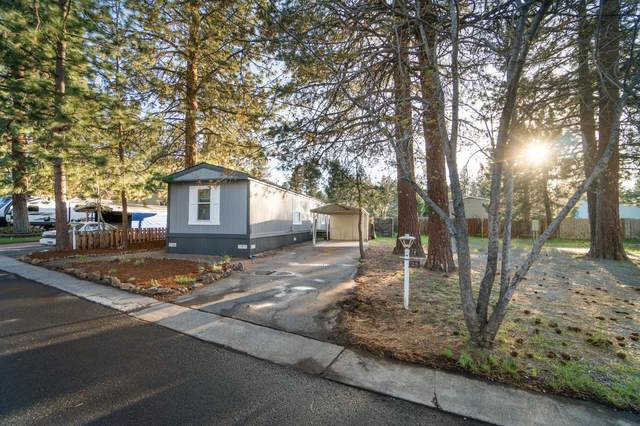 61040 S Queens Drive #25, Bend, OR 97702 (MLS #220100405) :: The Ladd Group