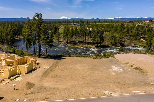 60877 River Rim Drive, Bend, OR 97702 (MLS #220100812) :: Berkshire Hathaway HomeServices Northwest Real Estate