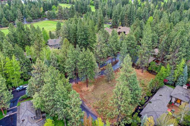 19401 SW Rim Lake Court, Bend, OR 97702 (MLS #220101032) :: The Ladd Group