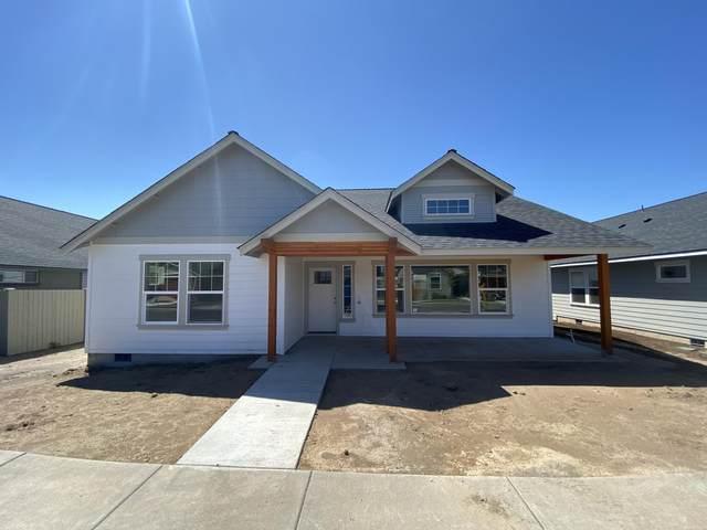 655 NE Trestle Street, Prineville, OR 97754 (MLS #220101103) :: Berkshire Hathaway HomeServices Northwest Real Estate