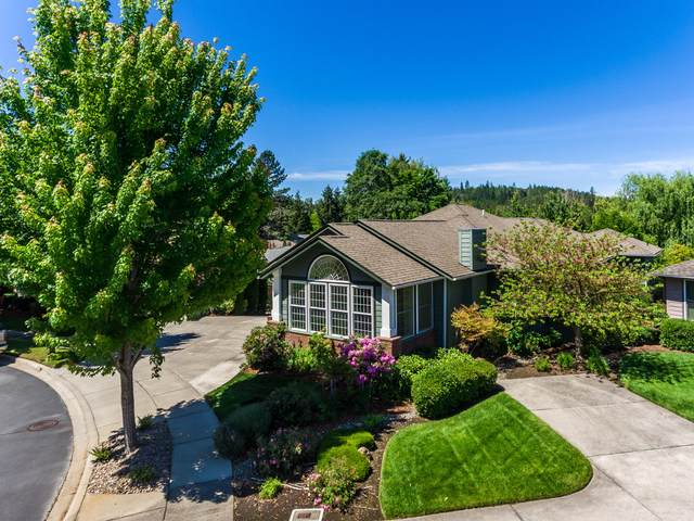 830 SW Bryn Court, Grants Pass, OR 97527 (MLS #220101125) :: The Riley Group