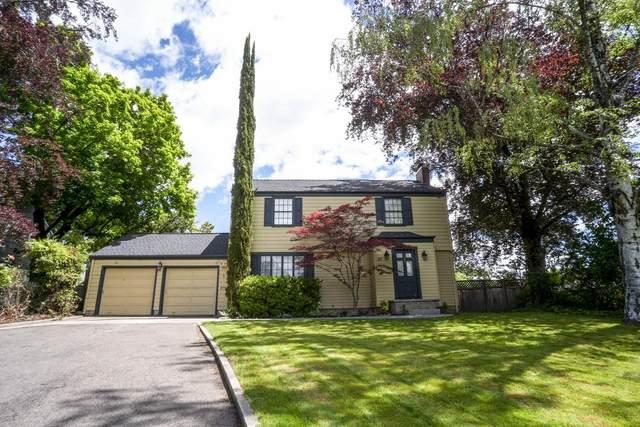 47 S Berkeley Way, Medford, OR 97504 (MLS #220101392) :: Berkshire Hathaway HomeServices Northwest Real Estate