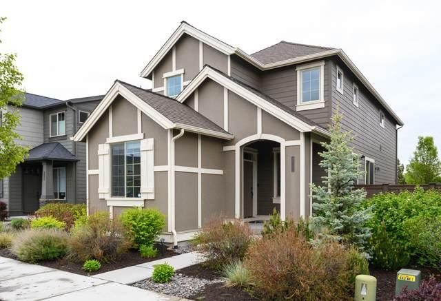 3232 SW 28th Street, Redmond, OR 97756 (MLS #220101396) :: Berkshire Hathaway HomeServices Northwest Real Estate