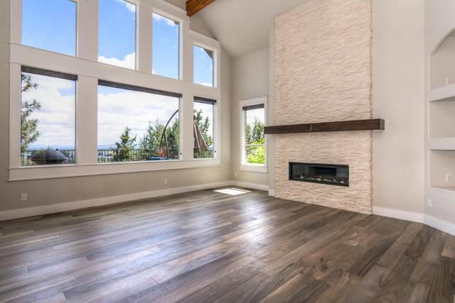3263 NW Fairway Heights Drive, Bend, OR 97703 (MLS #220101745) :: Berkshire Hathaway HomeServices Northwest Real Estate