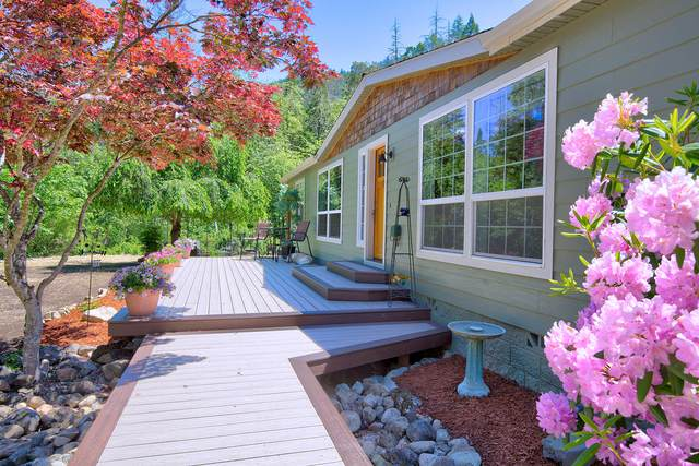 695 Greens Creek Road, Grants Pass, OR 97527 (MLS #220101963) :: Berkshire Hathaway HomeServices Northwest Real Estate