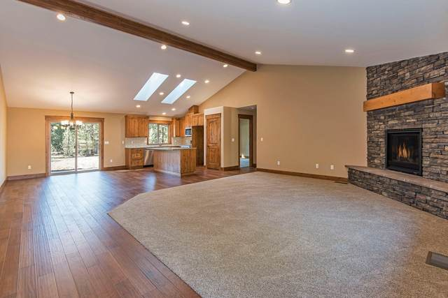 60134 Turquoise Road, Bend, OR 97702 (MLS #220102656) :: Bend Relo at Fred Real Estate Group