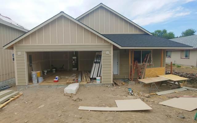 560 SW Lincoln Street, Madras, OR 97741 (MLS #220103044) :: Windermere Central Oregon Real Estate