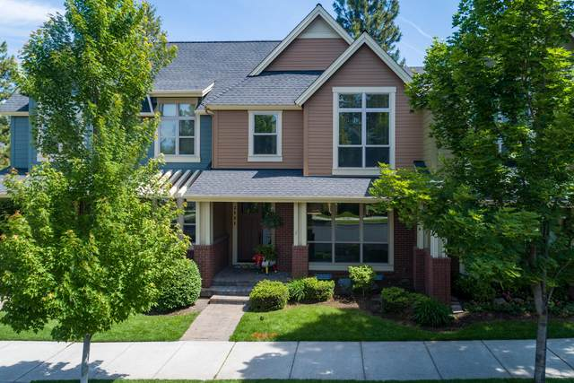2531 NW Crossing Drive, Bend, OR 97703 (MLS #220103193) :: Bend Relo at Fred Real Estate Group