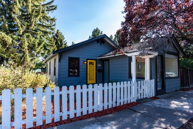 725 NW Delaware Avenue, Bend, OR 97703 (MLS #220103475) :: Fred Real Estate Group of Central Oregon