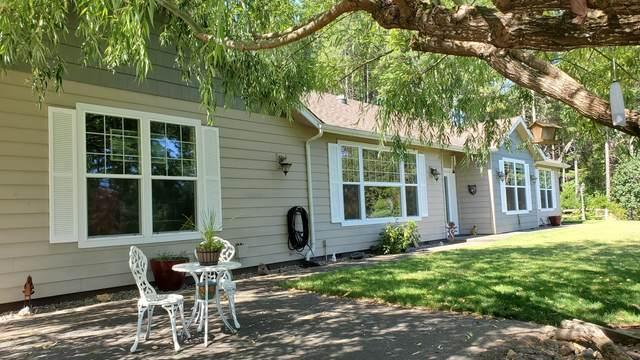 203 Dutcher Creek Road, Grants Pass, OR 97527 (MLS #220103791) :: FORD REAL ESTATE