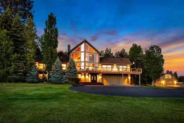 60470 Arnold Market Road, Bend, OR 97702 (MLS #220103922) :: Berkshire Hathaway HomeServices Northwest Real Estate