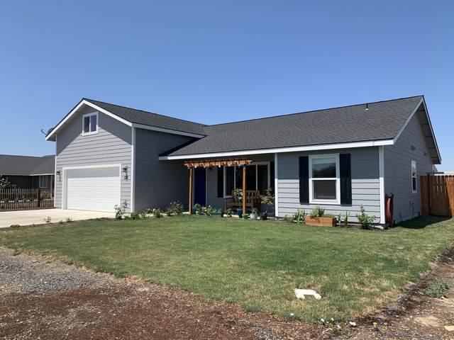 522 Scenic Loop, Culver, OR 97734 (MLS #220104283) :: Windermere Central Oregon Real Estate