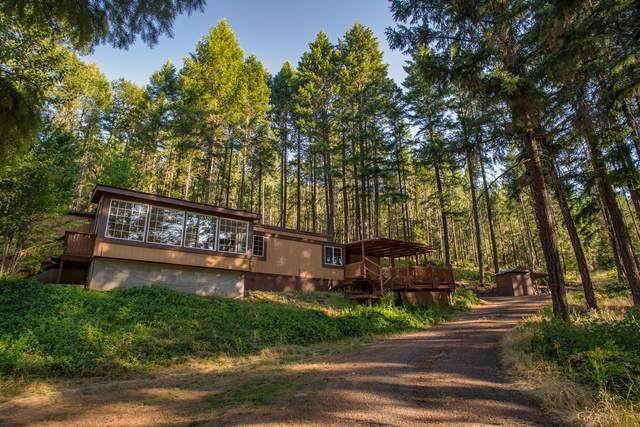 2582 Crowfoot Road, Eagle Point, OR 97524 (MLS #220104367) :: The Payson Group