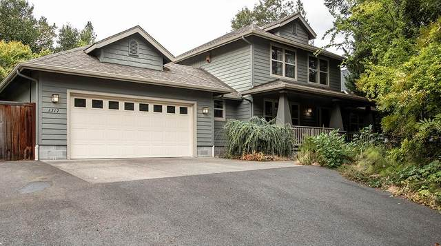 1317 NW Bellevue Place, Grants Pass, OR 97526 (MLS #220104760) :: Windermere Central Oregon Real Estate