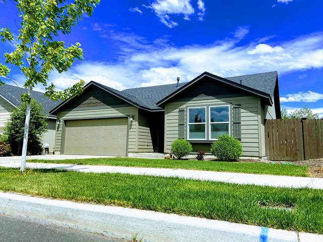 950 NW 24th Way, Redmond, OR 97756 (MLS #220104776) :: Berkshire Hathaway HomeServices Northwest Real Estate