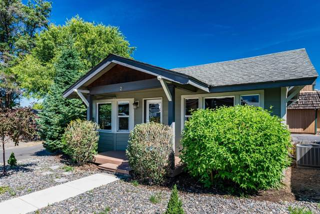 244 SE Miller Ave, Bend, OR 97702 (MLS #220105231) :: The Ladd Group
